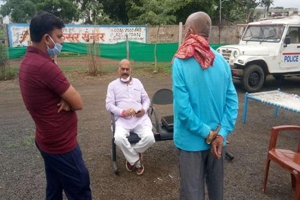 यूपी के बाहुबली विधायक विजय मिश्र MP में गिरफ्तार, रहस्यमय ढ़ंग से पत्नी लापता